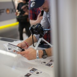 blogger presents polaroid z2300 at photokina hapateam