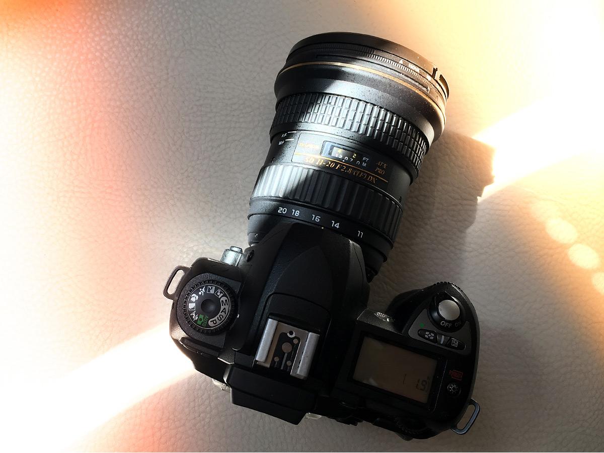 Bestens geeignet: eine ältere DSLR-Kamera wie die Nikon D70 mit modernem Weitwinkelobjektiv (Tokina 11-20 F2.8 DX)