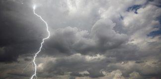 Gewitter fotografieren mit Weitwinkelobjektiv