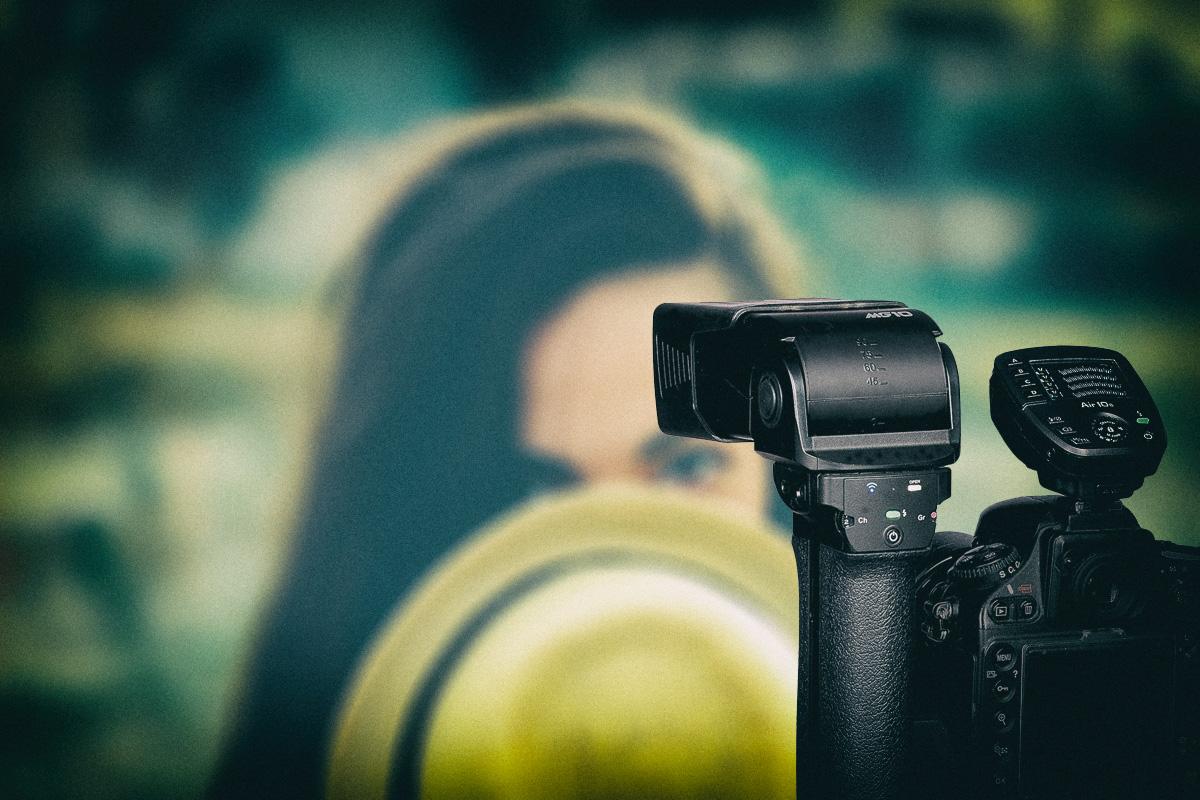 Als leistungsstarker Kamerablitz, Funk-Studioblitz und Videoleuchte einsetzbar